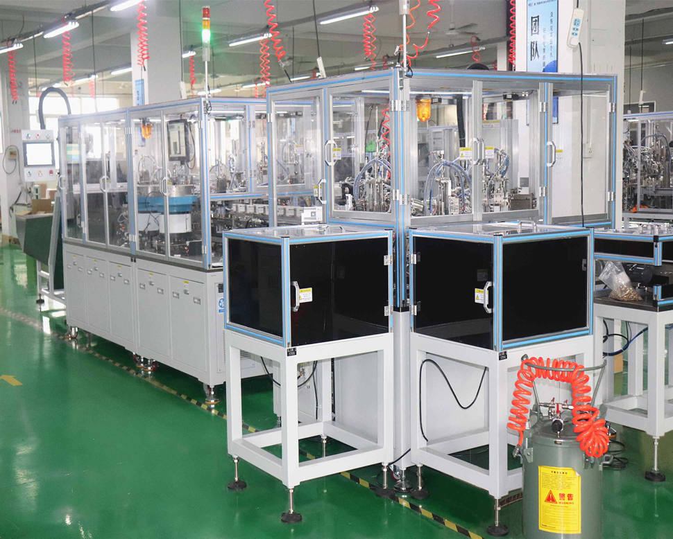 Automatic assembly line for hardware lock