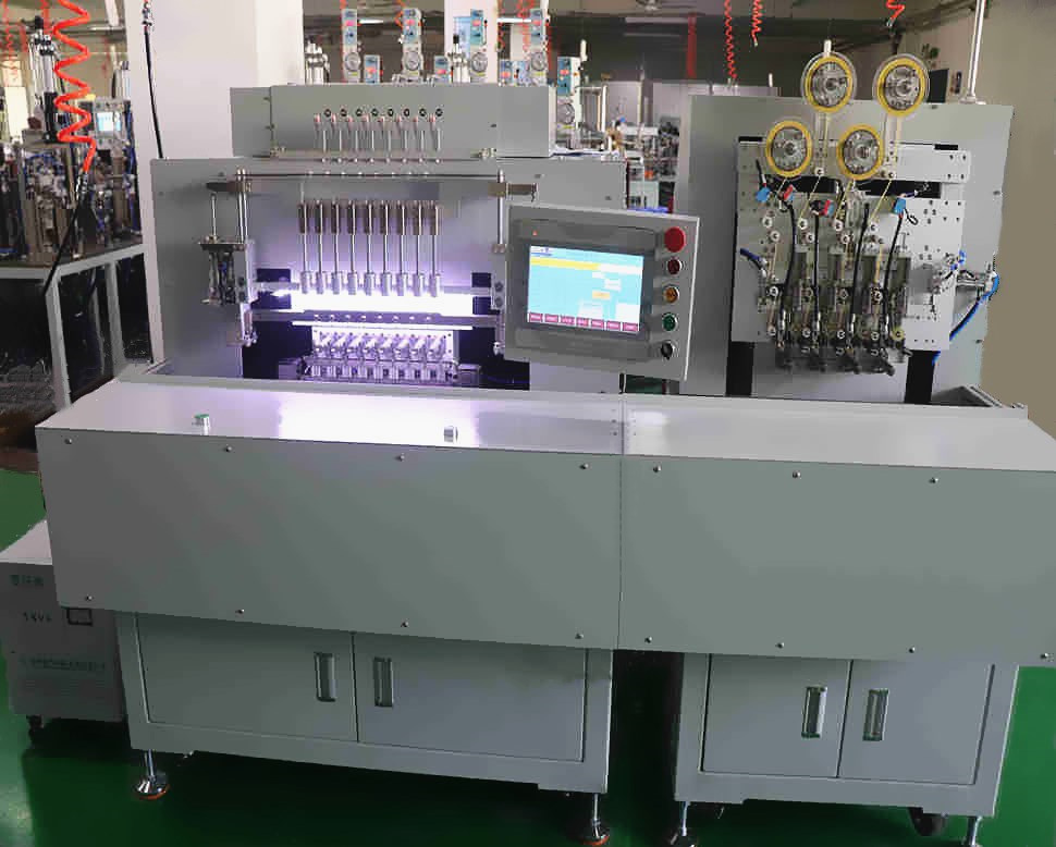 Automatic assembly for soldering machine